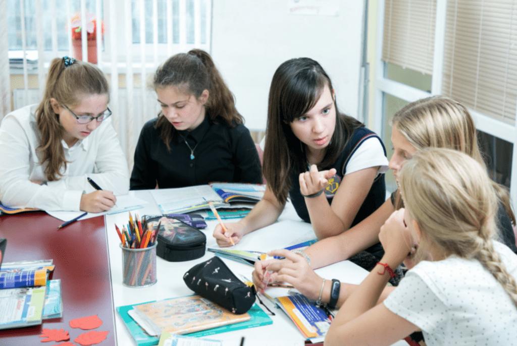 Курс коммуникативной грамматики для подростков. Grammar Rocket for teens.