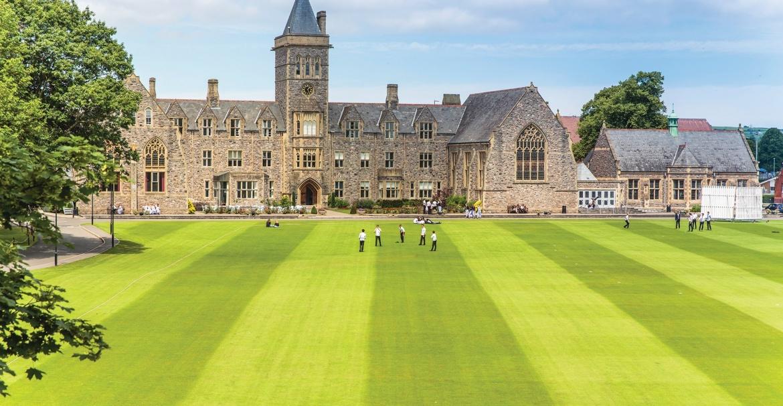 Престижная школа-пансион в Великобритании приглашает к обучению